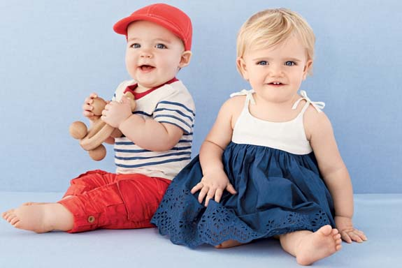 Dress them up in the vivid colours and comfortable designs of adorable baby clothes from Gap. Cute Baby Clothes for Boys and Girls Our distinctive selection of infant and toddler apparel highlights sturdy, unique fashions for both boys and girls.